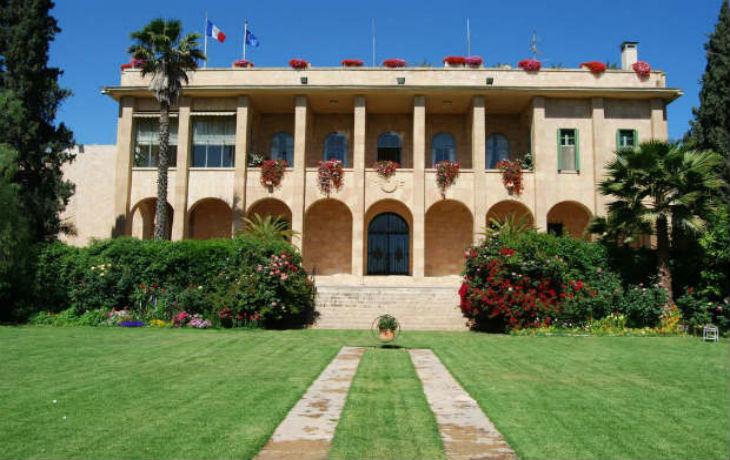 Nouveau scandale diplomatique : Le Consulat Général de France à Jérusalem subventionne des organisations palestiniennes incitant à la violence et honorant des terroristes