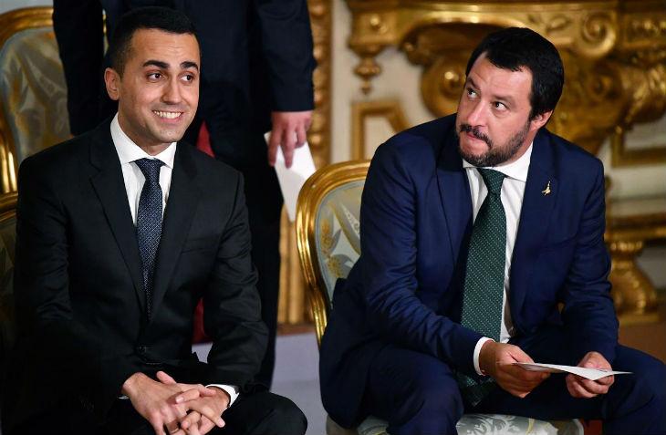 Le gouvernement italien affirme son soutien «Gilets jaunes, ne faiblissez pas !», Salvini «Je soutiens les citoyens honnêtes qui protestent contre un président gouvernant contre son peuple»