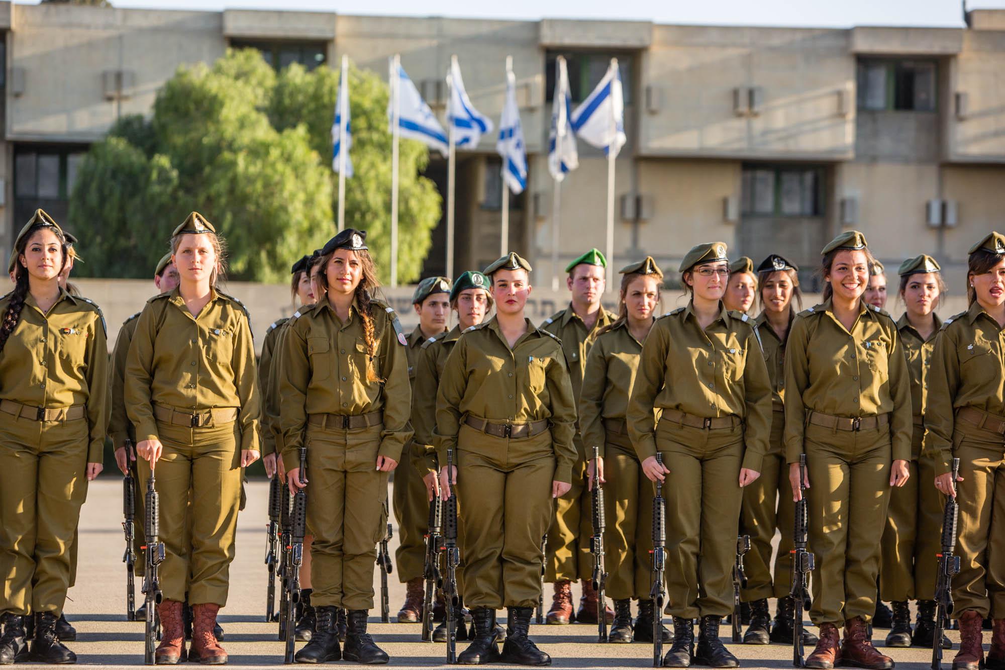 Tel-Aviv: cérémonie en l'honneur de nouveaux immigrants qui vont s'enrôler dans Tsahal (Vidéo)