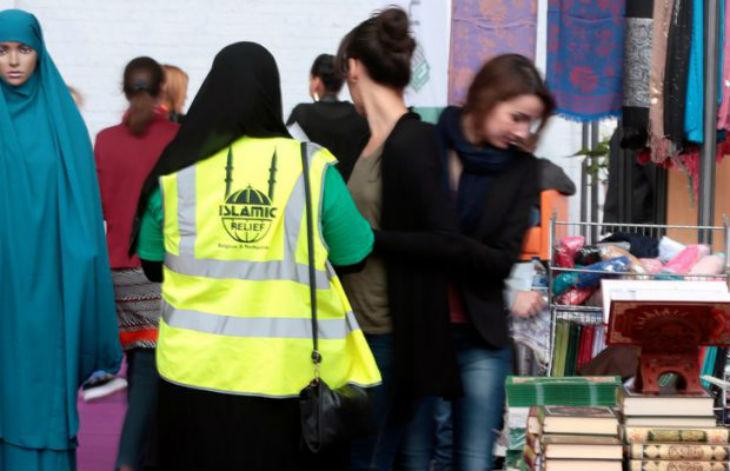Un « collectif de femmes musulmanes » veulent la fin de la tenue neutre et imposer les vêtements religieux dans l'emploi ou le secteur public