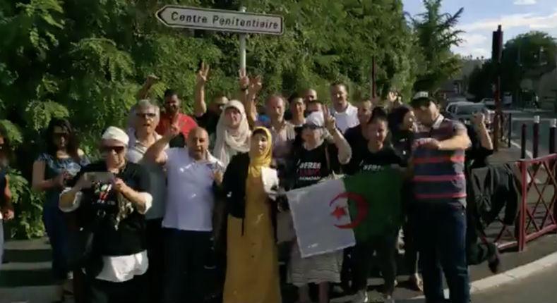 L'islamiste algérien Rachid Nekkaz organise une manifestation devant la prison où est incarcéré Tariq Ramadan (Vidéos)