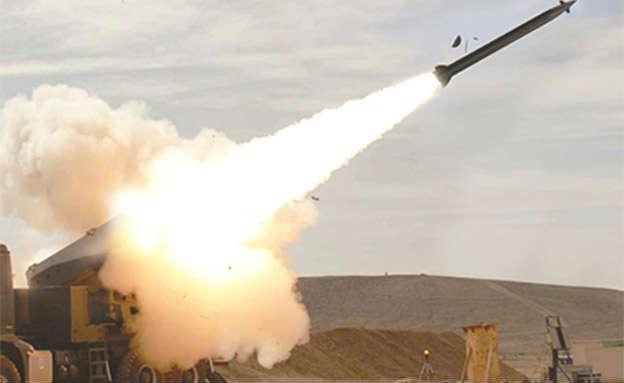 """Israël: Tsahal va acquérir un nouveau système de roquettes """"Roma'h"""" (Javelot)"""