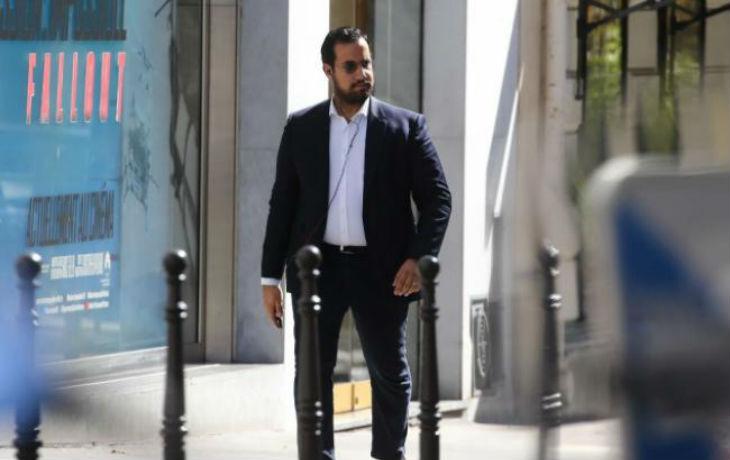 Sous contrôle judiciaire, Benalla été aperçu à Genève