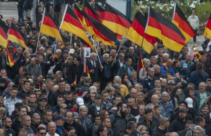 Le Premier ministre de Saxe dénonce la fake news de Merkel et des médias : « Il n'y a pas eu de chasse à l'homme ni de pogroms à Chemnitz »