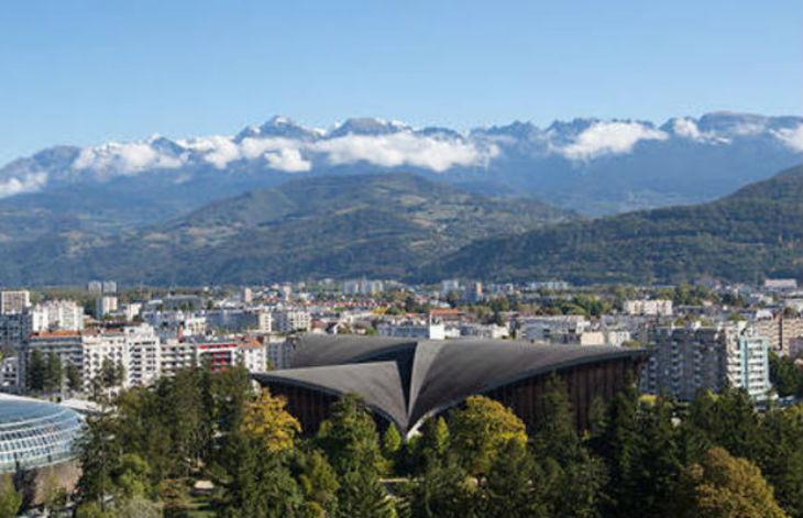 Grenoble , insécurité : en quelques jours, un handicapé mental tabassé en pleine rue, un passant attaqué au marteau, d'autres agressés en sortant d'un café