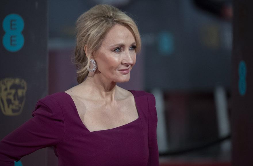 L'auteur des Harry Potter, J.K Rowling, sort un nouveau roman dans lequel le Méchant est un antisioniste et antisémite