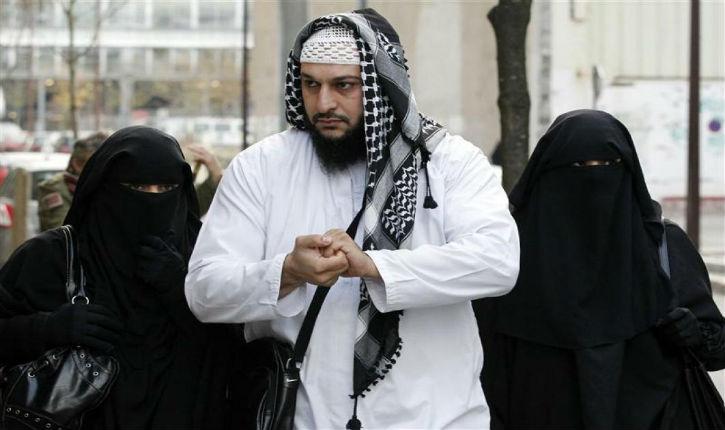 La seule province francophone du Canada veut freiner l'islamisation de l'Administration