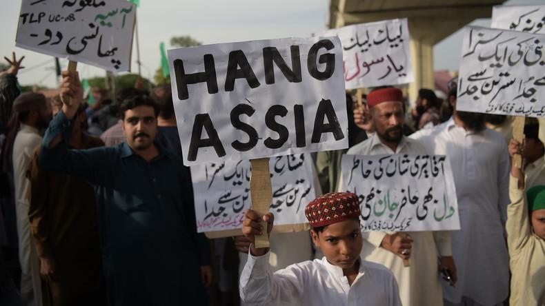 Des milliers de musulmans Pakistanais exigent l'exécution d'une chrétienne accusée de blasphème «Il faut pendre Asia Bibi»