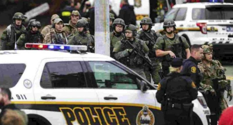 Pittsburgh: 11 personnes assassinées par un antisémite criant «Tous les Juifs doivent mourir !» dans la synagogue de Pittsburgh (Vidéos)