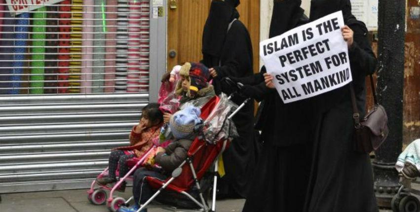 Quand l'Europe retarde le débat sur un rapport édifiant démontrant que la charia islamique est incompatible avec les droits de l'homme et les valeurs européennes