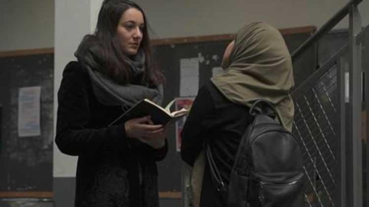 [Video] «La plume dans la plaie», quatre élèves journalistes dévoilent l'islamisation de la France à contre coeur
