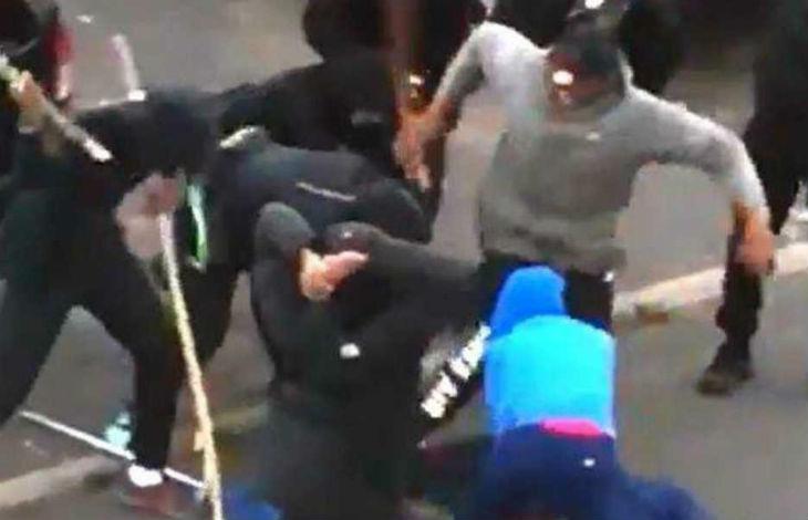 Après Nice, Garges-lès-Gonesse : un mineur violemment lynché au sol par une dizaine de racailles (Vidéo choc)
