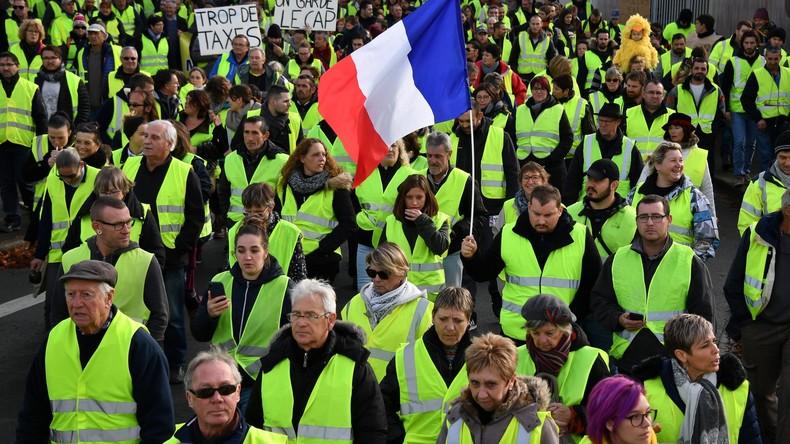 Louvrier (LR) réclame la dissolution de l'Assemblée : « C'est une crise profonde qui date de l'élection de Macron. Il faut à tout prix redonner la parole aux Français. » (Vidéo)