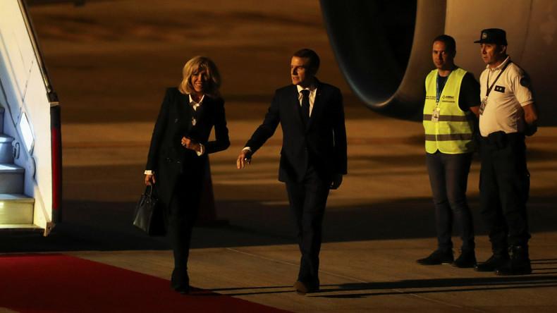 Pendant que les Français sont dans la rue, Macron arrive en Argentine accueilli par… des gilets jaunes ! Ils sont partout (Vidéo)