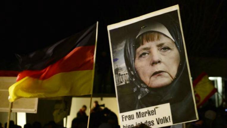 La pro-palestinienne Merkel fait pression sur le président roumain pour empêcher le déplacement de l'ambassade à Jérusalem