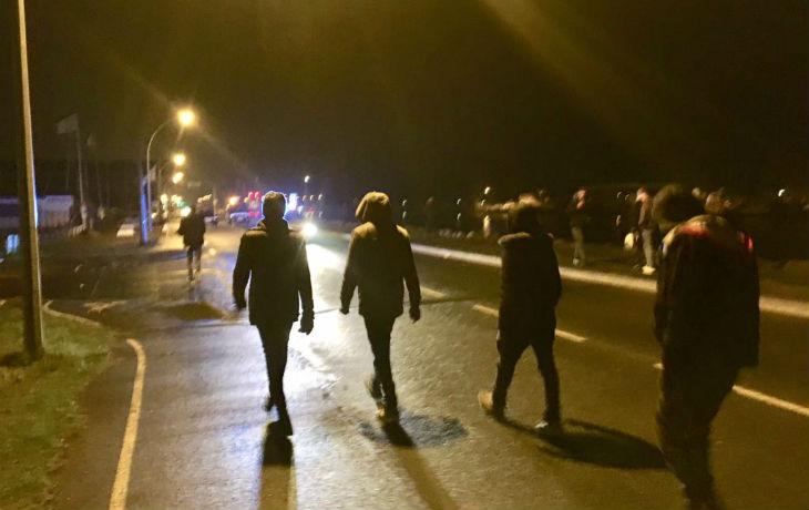 Ouistreham : un ado lynché, des militaires agressés, gendarmerie prise d'assaut par 30 migrants… Le maire instaure un couvre-feu
