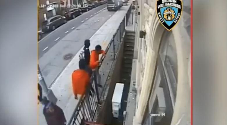 La synagogue de Brooklyn attaquée par une bande de jeunes pendant un office