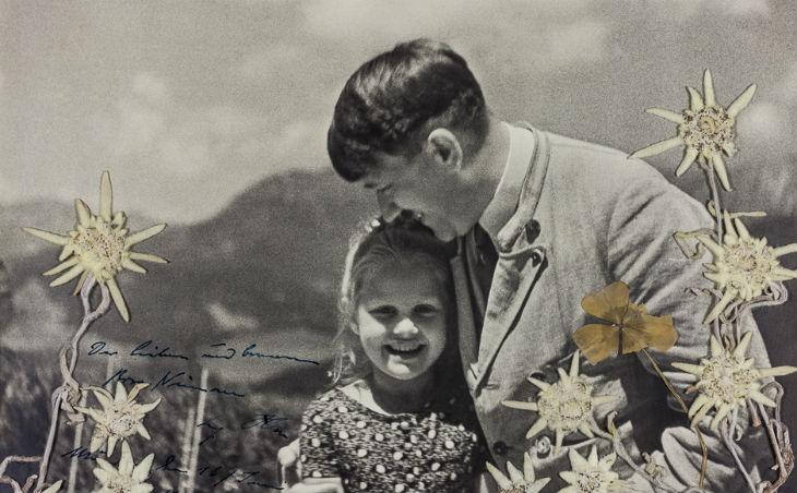 Une photo d'Hitler embrassant une enfant d'origine juive vendue aux enchères pour 11 520 $