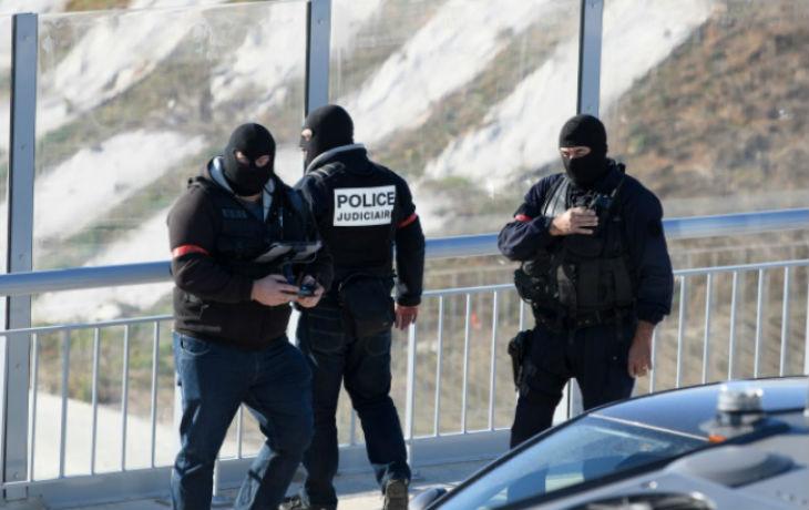 Un policier roué de coups par deux migrants irakien et tunisien à Cannes