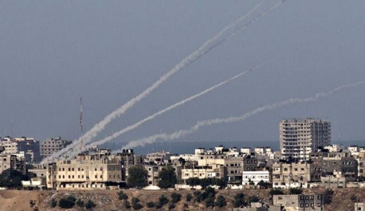 [BREAKING NEWS] Israël: Le système de défense aérienne «Dôme de fer» intercepte 3 nouvelles roquettes tirées depuis Gaza sur les localités du sud du pays