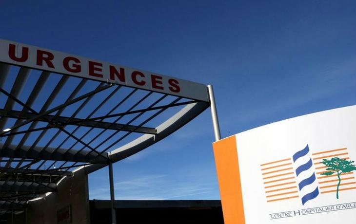 Arles : 3 infirmiers insultés, agressés et menacés de mort, une urgentiste traitée de « sale pute française »