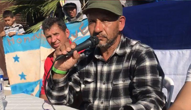 Etats-Unis: Un leader de la caravane des migrants exige pour chaque migrant soit l'asile aux États-Unis, soit 50 000 dollars chacun, pour rentrer chez eux