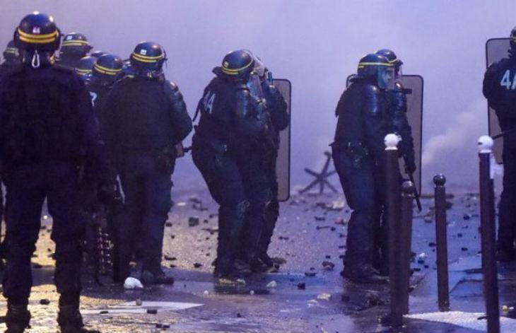 Nicolas Bay sur le dispositif policier de la manif Gilets Jaunes : «L'Etat déploie en une journée ce qu'il n'a jamais été capable de déployer pour remettre de l'ordre dans les cités» (Vidéo)