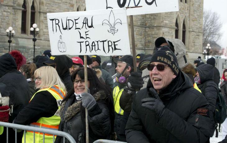 Canada : manifestation tendue à Ottawa contre le pacte de l'ONU sur les migrations soutenu par Trudeau