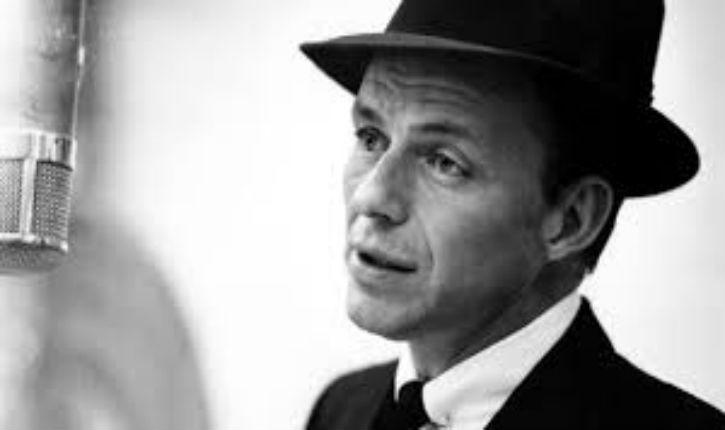 Une kippa ayant appartenu à Frank Sinatra a été vendue aux enchères pour 9 375 $