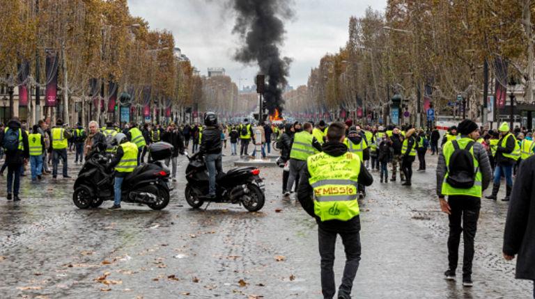 Les Frères Musulmans seraient derrière les casseurs en encourageant le pillage et le vandalisme lors des manifestation des Gilets Jaunes en France accusent les médias égyptiens