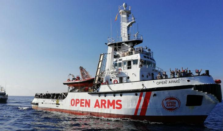 Open Arms : « si ça continue comme ça, je préfère rentrer en Algérie » déclare un migrant à bord du bateau (Vidéo)