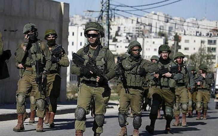 Judée Samarie: Un terroriste palestinien, ayant grièvement blessé un soldat, se rend