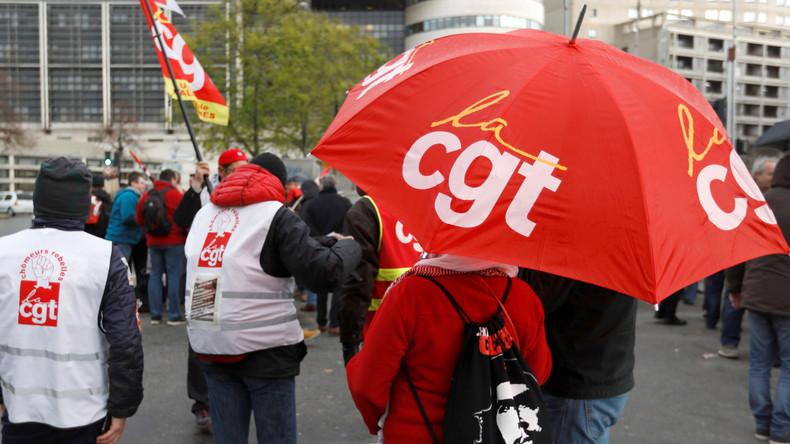 FO et la CGT proposent leurs services d'ordre aux Gilets jaunes mais annulent la grève des routiers