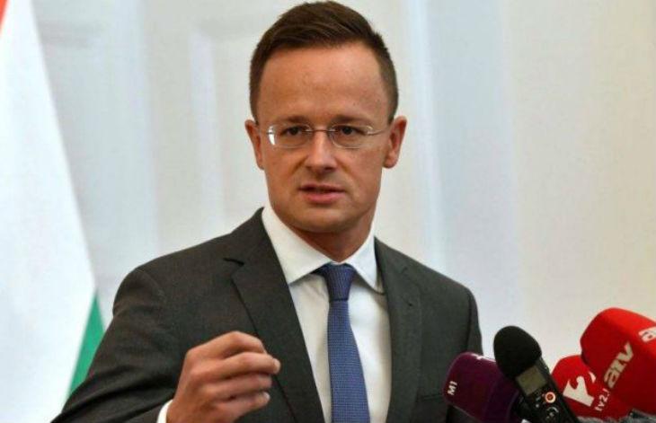 Le chef de la diplomatie hongroise : « Le gouvernement pro-immigration de la Suède a mené ce pays dans une impasse »