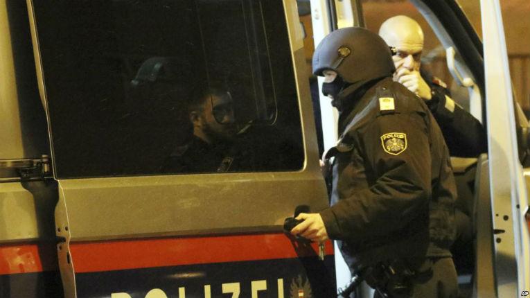 Eglise attaquée à Vienne en Autriche, 15 moines blessés et pris en otage par des hommes «étrangers»