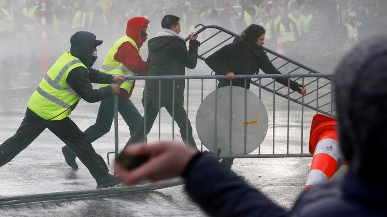 «Scènes de guerre» à Bruxelles : une manifestation de Gilets jaunes dégénère (Vidéo)