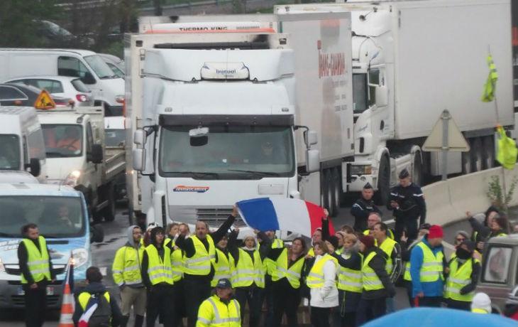 France: un «gilet jaune» tué après avoir été percuté par un camion à Avignon