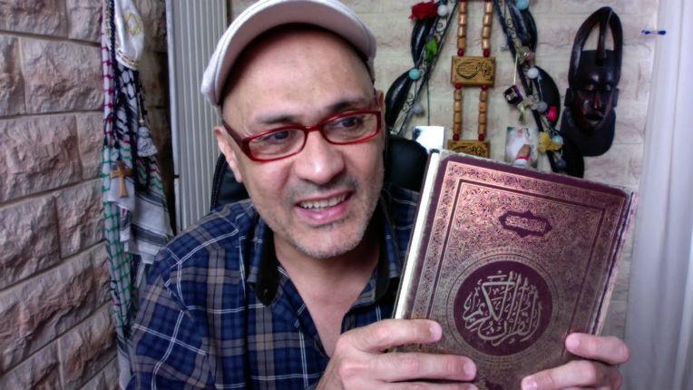 Antisémitisme : Ahmed Moualek pète les plombs «J'appelle au meurtre des juifs». Mise à jour: l'antisémite Moualek répond à notre article «Sale Juif» (VIDEO)