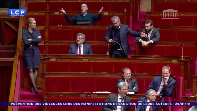 Assemblée : tandis qu'à Alexis Corbière dénonce «dérive autoritaire», une députée LREM la joue cour de récré (Vidéo)