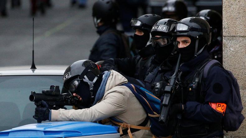 Un collectif de policiers dénonce «Les grenades sont dangereuses, nos LBD sont dangereux» et les ordres du gouvernement. «Il va se passer quelque chose de grave, on le sait»