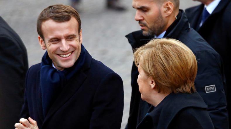 Macron exalte l'Europe à Aix-la-Chapelle préférant l'allemand «au charme romantique que le français ne m'apporte plus»