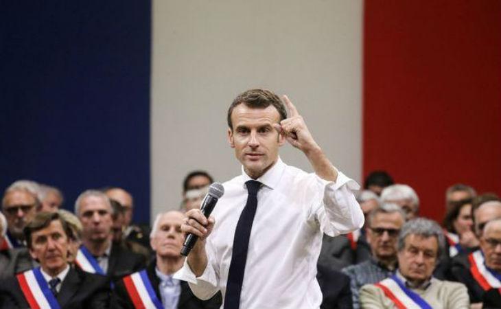 Macron : « L'accueil et l'hébergement des migrants sont inconditionnels, ça coûte 2 milliards d'euros, et il faut s'en féliciter ! » (VIDEO)