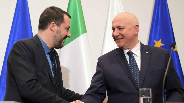 En visite en Pologne, Salvini veut remplacer l'axe franco-allemand par un axe Italie-Pologne pour une « renaissance des vraies valeurs européennes avec plus de famille et surtout plus de sécurité »