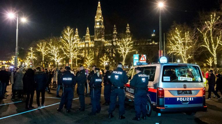 Autriche : Victime d'une agression sexuelle, une jeune femme se défend et casse le nez de son agresseur migrant afghan. Elle est poursuivie pour coups et blessures