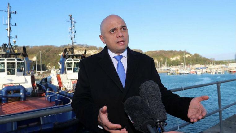 Royaume-Uni : le ministre de l'Intérieur Sajid Javid critique les migrants et se demande pourquoi ils ne vont pas en France