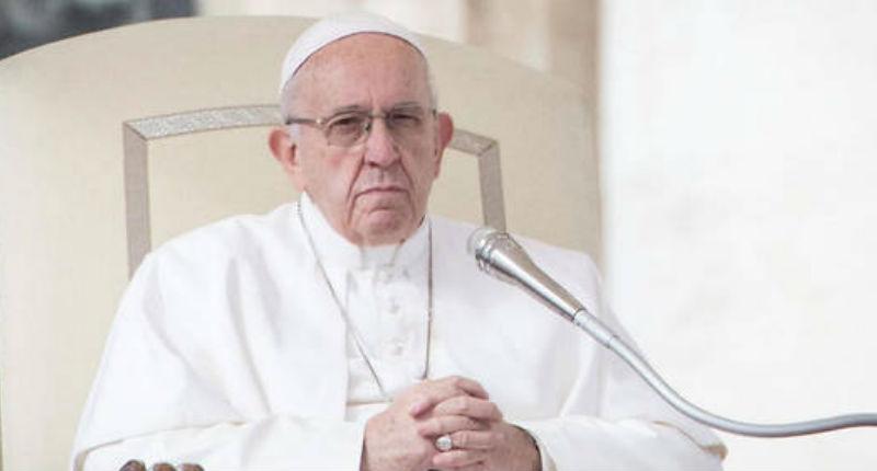 Le Pape, de plus en plus gauchiste, critique la Chanson de Roland dans laquelle les chrétiens contraignent les musulmans à se convertir : « Chaque religion a ses intégristes »
