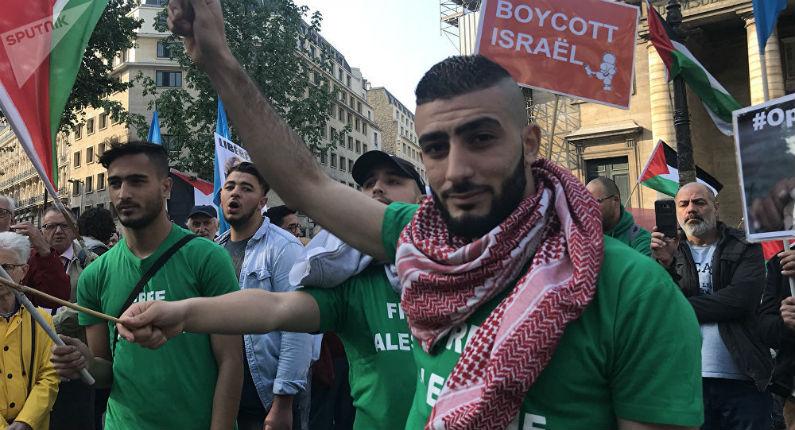 Le gouvernement réprime les manifestations non déclarées des Gilets Jaunes, mais ferme les yeux sur celles non déclarées des antisémites du BDS
