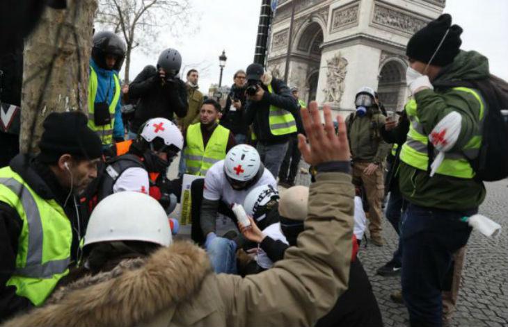 Gilets jaunes: Des médecins alertent sur les méthodes policières « Je n'ai jamais vu autant de blessés graves »