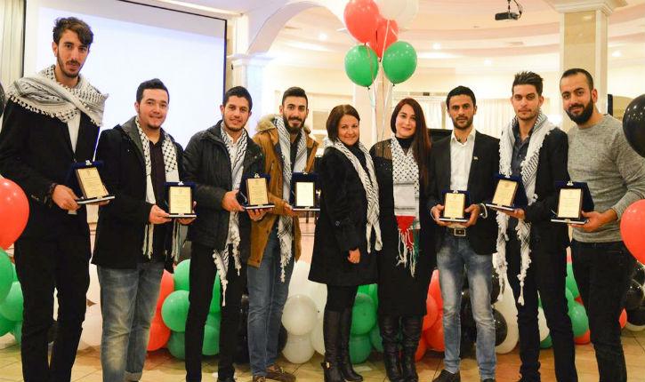 Sur le dos de sa population,la Tunisie offre 210 bourses aux étudiants Palestiniens