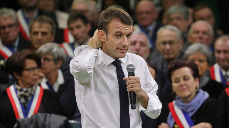 Révélations sur le «Grand débat» : Toutes les questions des étudiants à Macron étaient préparées à l'avance. Ils n'avaient pas le droit de manifester leur désaccord (VIDEO)